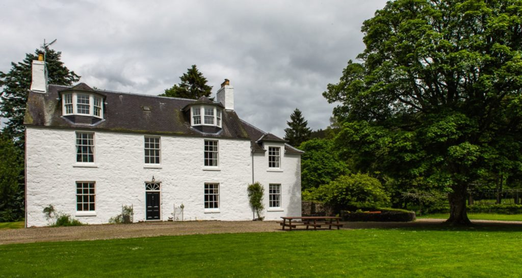 Cray House Luxury Self catering Exclusive use private events scotland