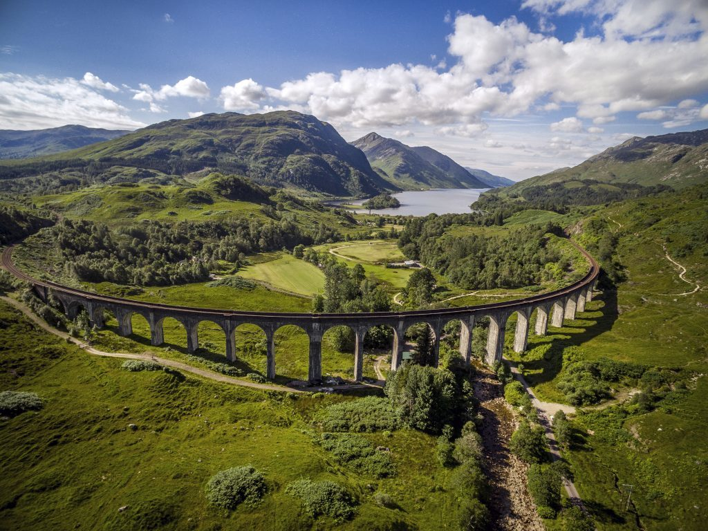Glenfinnan Viaduct, Highland, Scotland - The incredible ... |Glenfinnan Scotland
